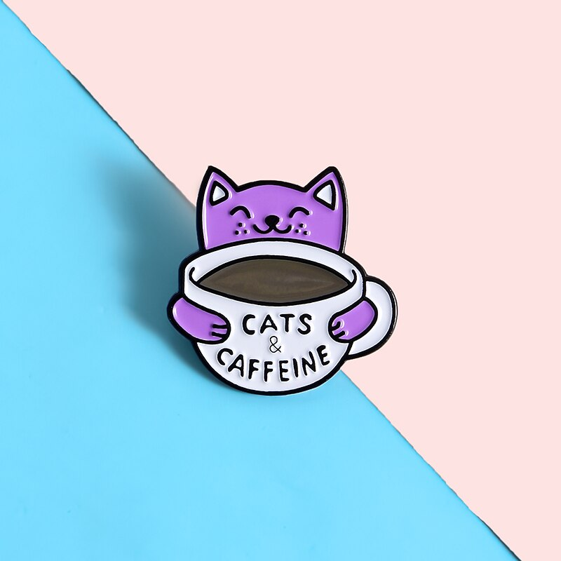 Adorable Pins Chat Kawaii dans une Tasse de Café - Pin's Original Cats & Caffeine