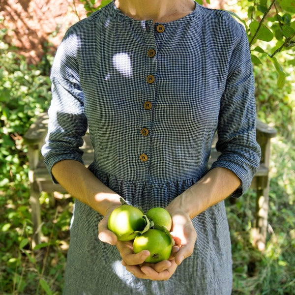 Traveling with cool and comfortable linen dress by California clothing designer Pyne & Smith
