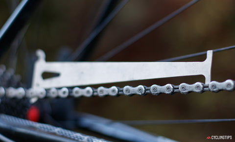 Measure your mountain bike chain to detect wear.