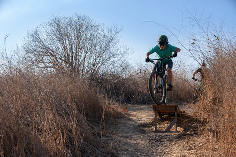 Tani Walling riding in san clemente hi'r line trail