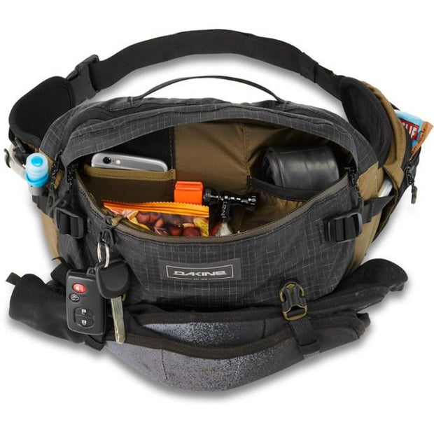Dakine Seeker 6L Hip Pack packed and open