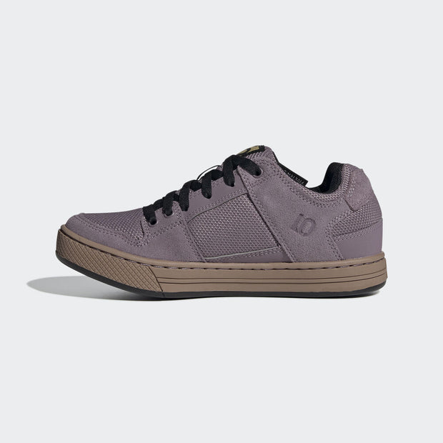 Five Ten Women's Freerider flat pedal shoe Legacy Purple/Black/Gum inside view