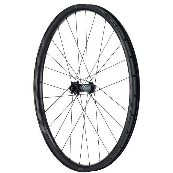 Giant TRX 0 29 Carbon Trail Front Wheel hub view