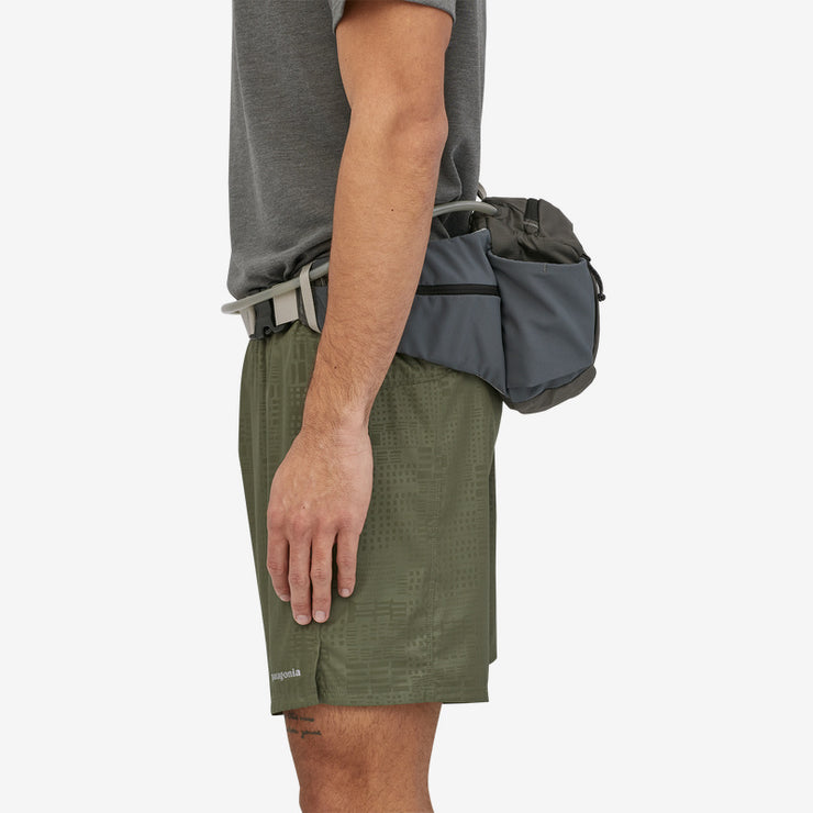 Patagonia Nine Trails Waist Pack 8L on model side view