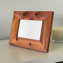 Load image into Gallery viewer, Bermuda Cedar Frame  (4x6)