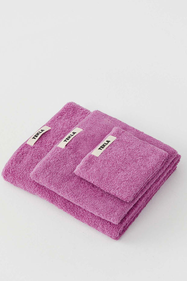 tekla-terry-bath-towel-magenta-70x140