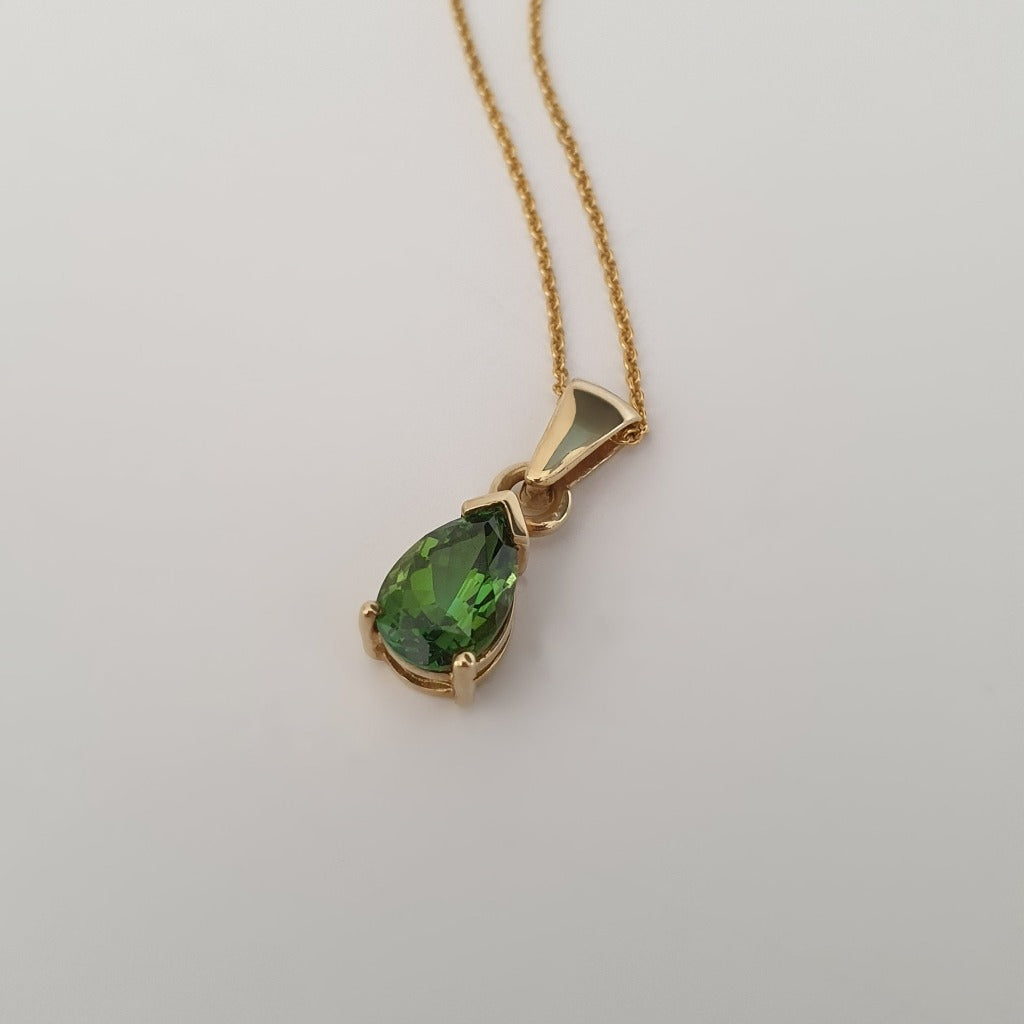 Classic Pear Cut Green Tourmaline and Yellow Gold PendantClassic Pear Cut Green Tourmaline and Yellow Gold Pendant