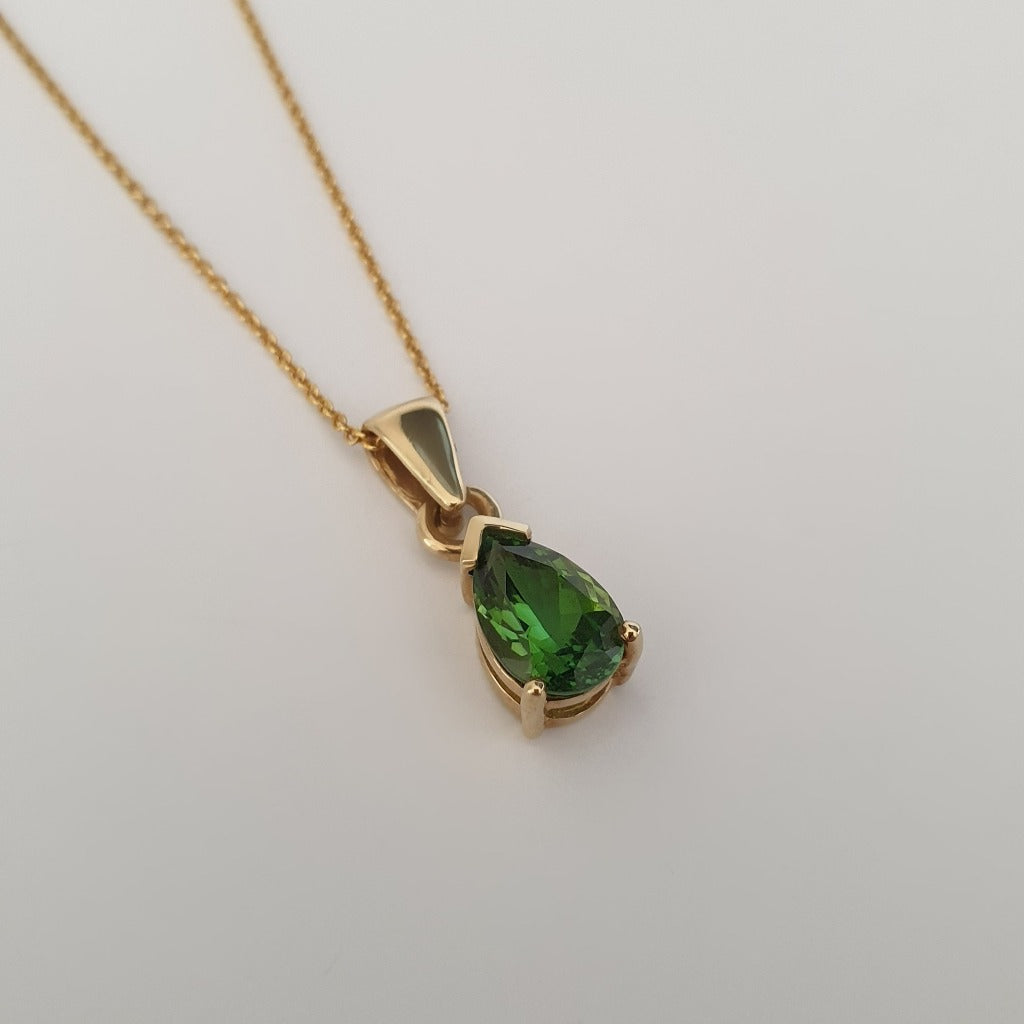 Classic Pear Cut Green Tourmaline and Yellow Gold Pendant