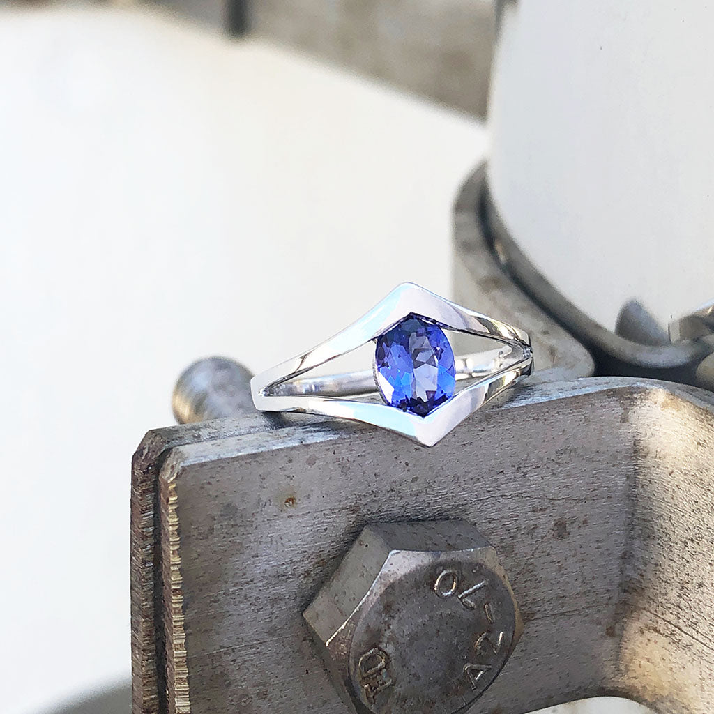 Double V Split Shoulder Oval Cut Tanzanite Ring