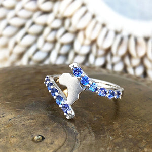 Elegant Twist Africa White Gold Tanzanite Ring