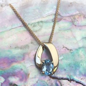Folded Yellow Gold Aquamarine Pendant