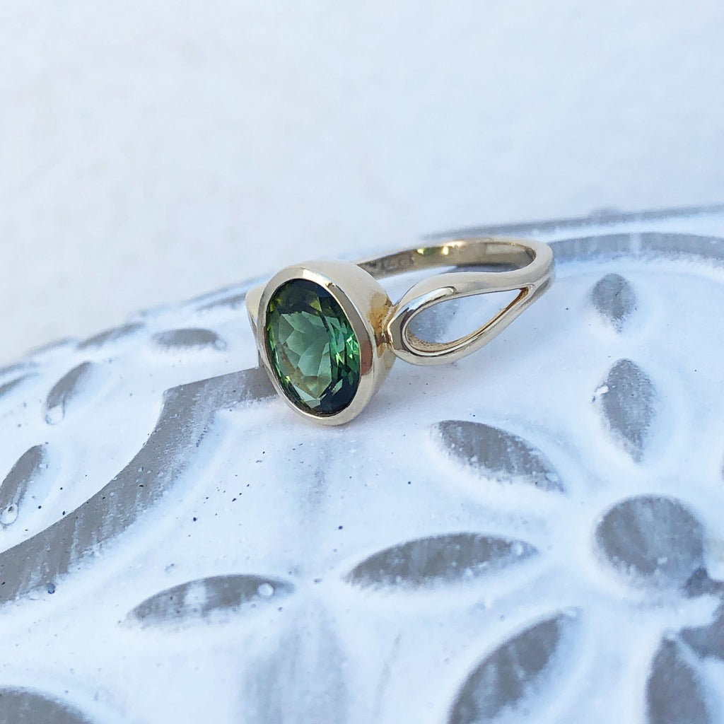 Green Oval Cut Tourmaline Yellow Gold Ring