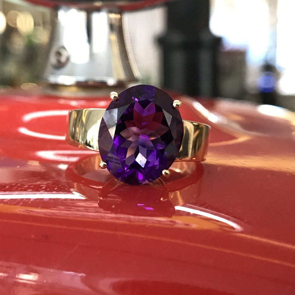 Oval Cut Amethyst and Yellow Gold Ring
