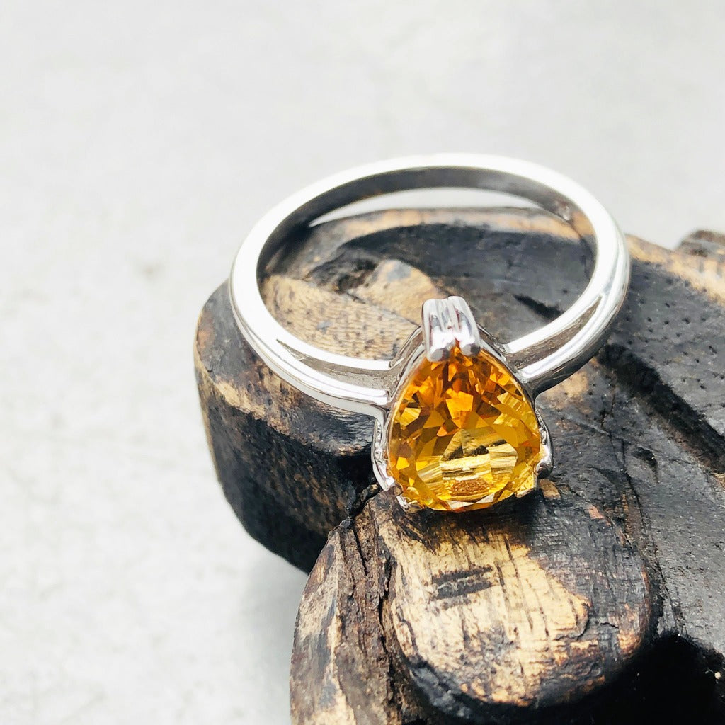 Solitaire Double Claw Pear Cut Citrine White Gold Ring
