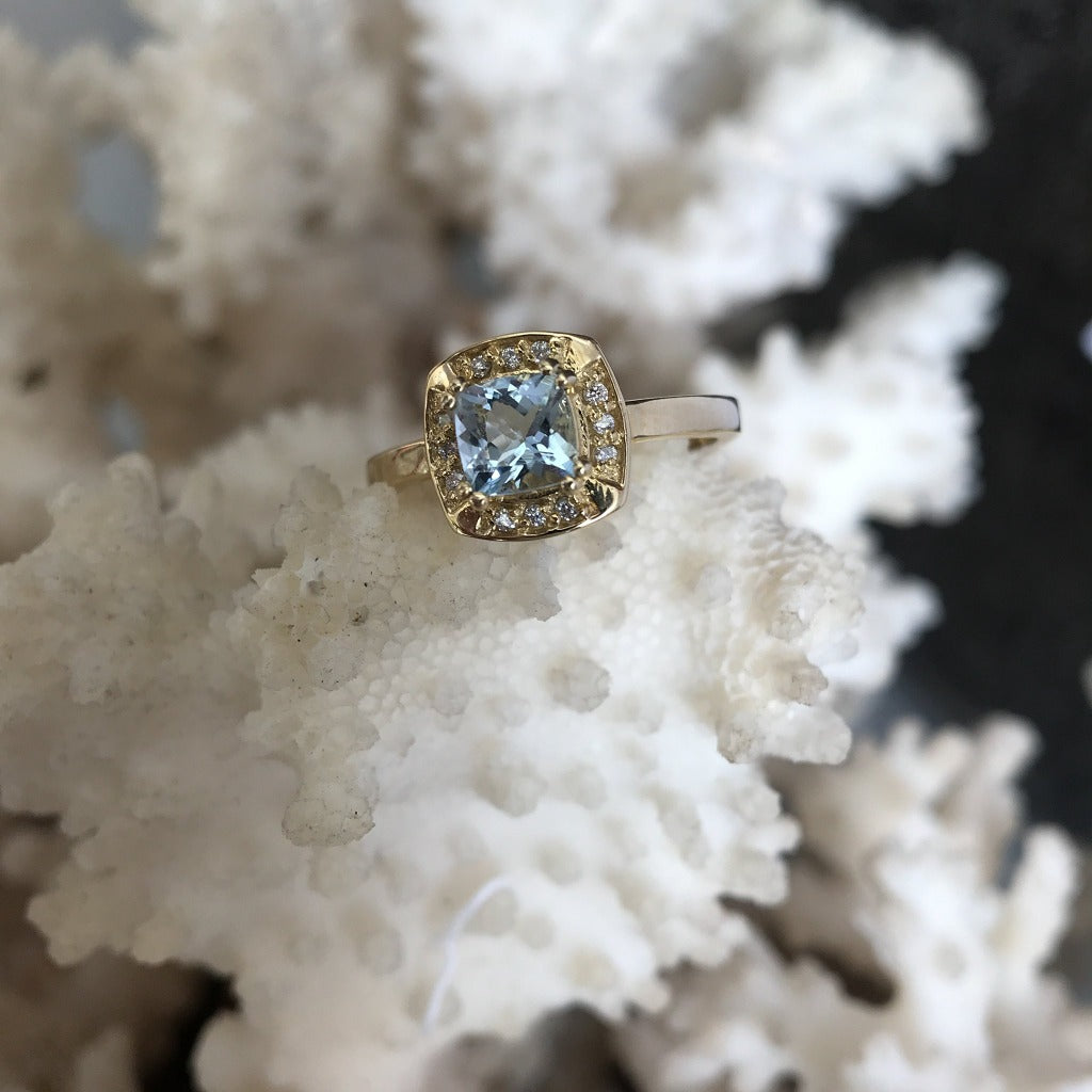 Cushion Cut Aquamarine, Diamond and Gold Ring