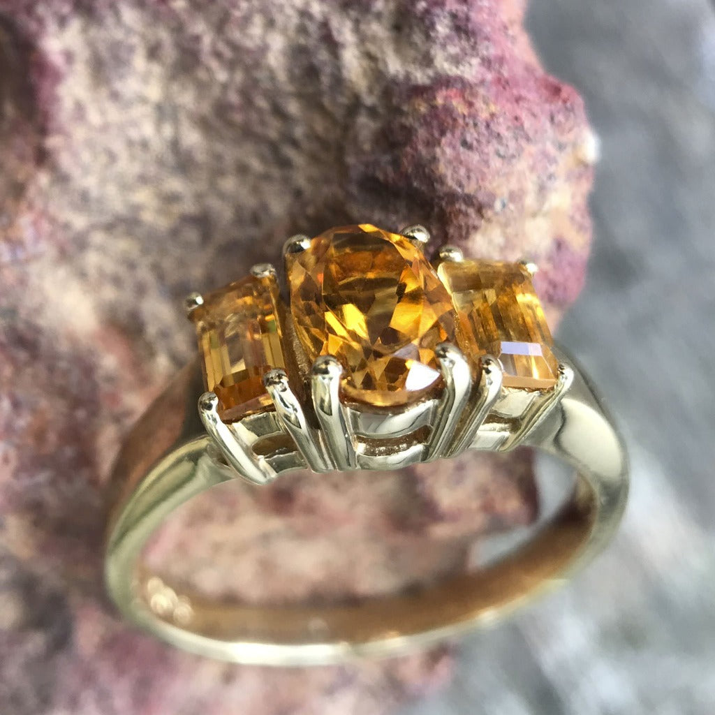 CITRINE OVAL & EMERALD RING3