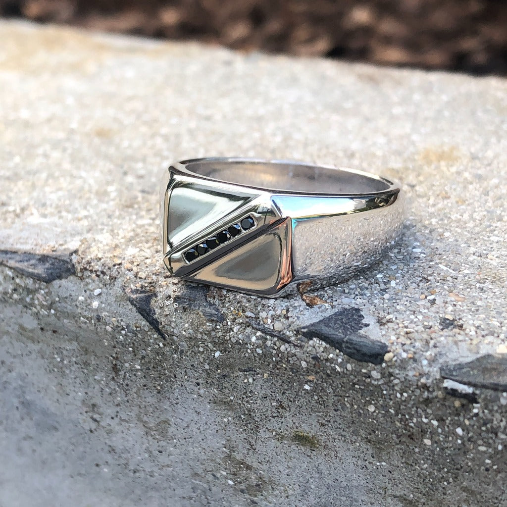 Mens / Unisex White Gold Signet Ring With Diagonal Black Diamond Detail