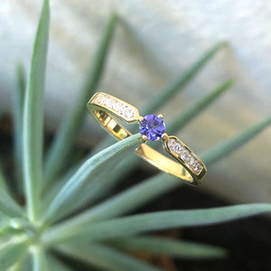 Petit Tapered Diamond Shoulder Tanzanite Yellow Gold Ring