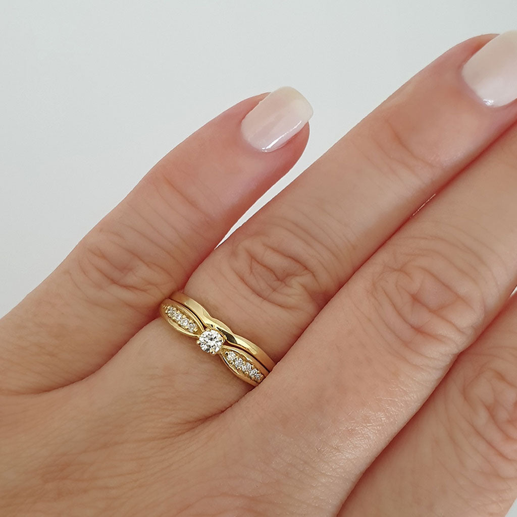 Petit Tapered Diamond Shoulder Yellow Gold Diamond Engagement Ring and Wedding Band Set