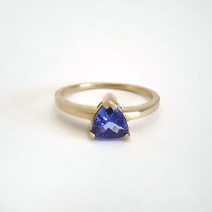 Solitaire Trilliant Cut Tanzanite Yellow Gold Ring