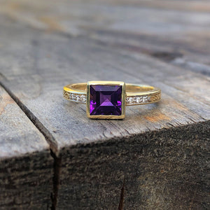 Square Cut Amethyst, Diamond and Yellow gold ring