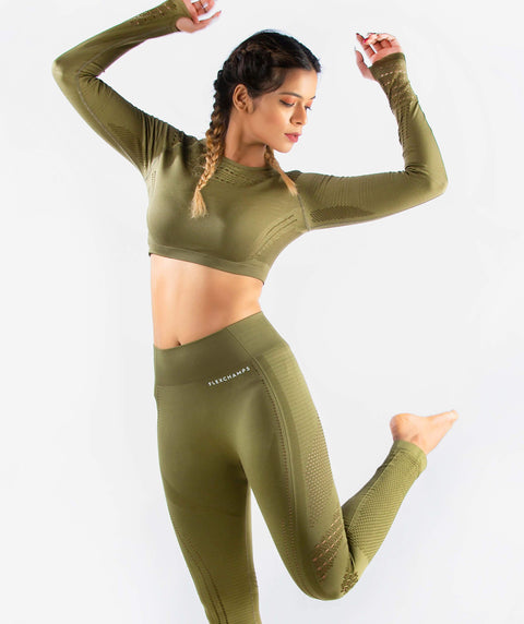 Arise Seamless Long Sleeve Crop Top - Amy Green - FLEXCHAMPS INDIA