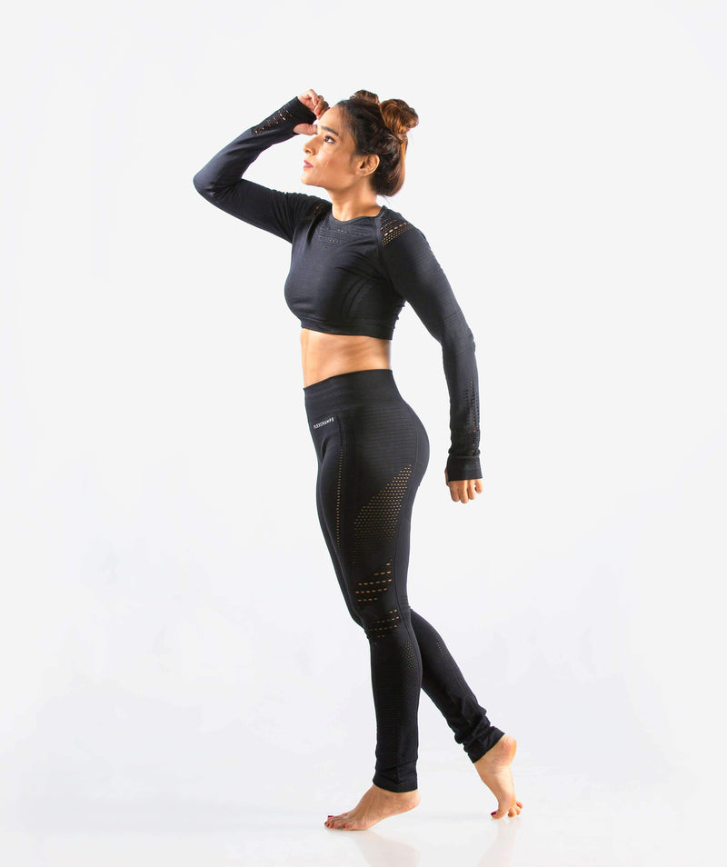 Arise Seamless Long Sleeve Crop Top - Black - FLEXCHAMPS INDIA
