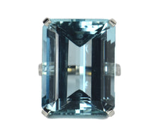 Load image into Gallery viewer, 32.70 Carat Aquamarine and Diamond Cocktail Ring