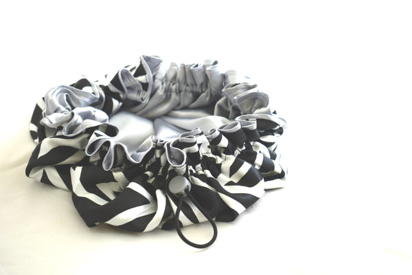 Black & White Adjustable Bonnet