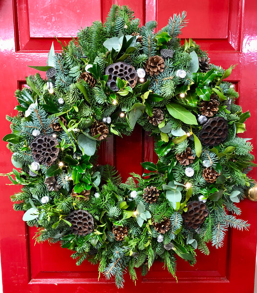 """Classic illusion"" Christmas Wreath"
