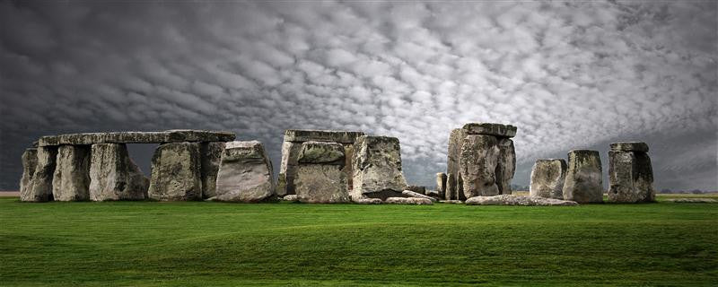 Long exposure photograph of Stonehenge