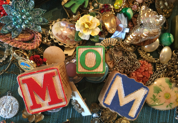 vintage jewelry, gifts for mom, shopping for mom in tarrytown, pretty funny vintage
