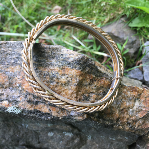 S115 - Goldtone Rope Bangle