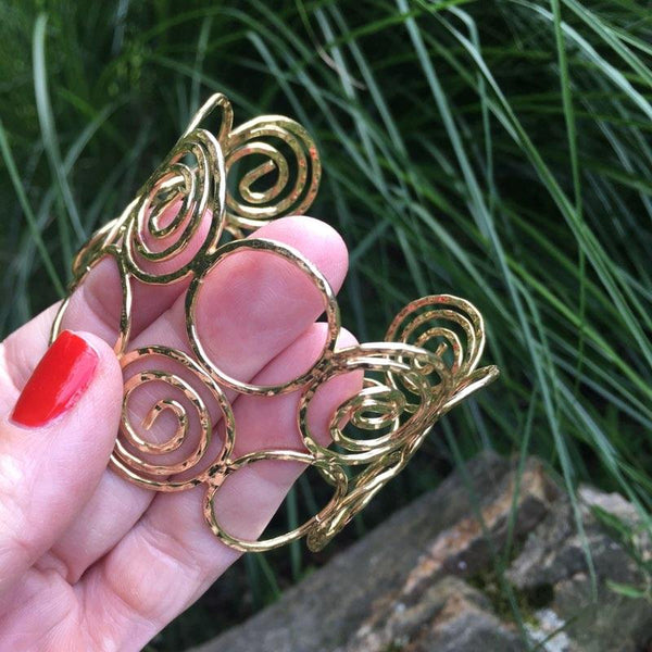 S206 - Swirly Cuff in Goldtone