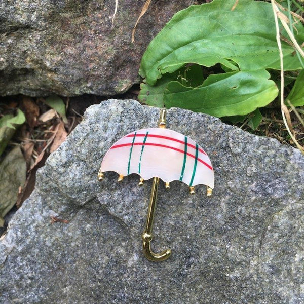 T150 - Sweet Plaid Umbrella Pin in Goldtone
