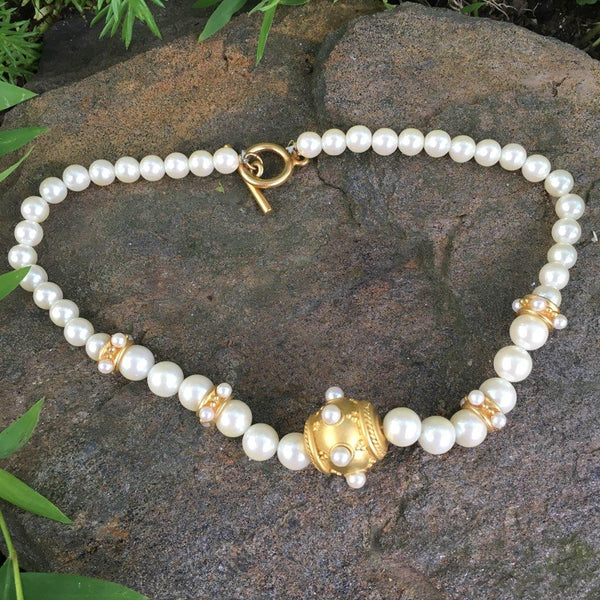 P105 - Poil, Gold Belly Pearl Necklace