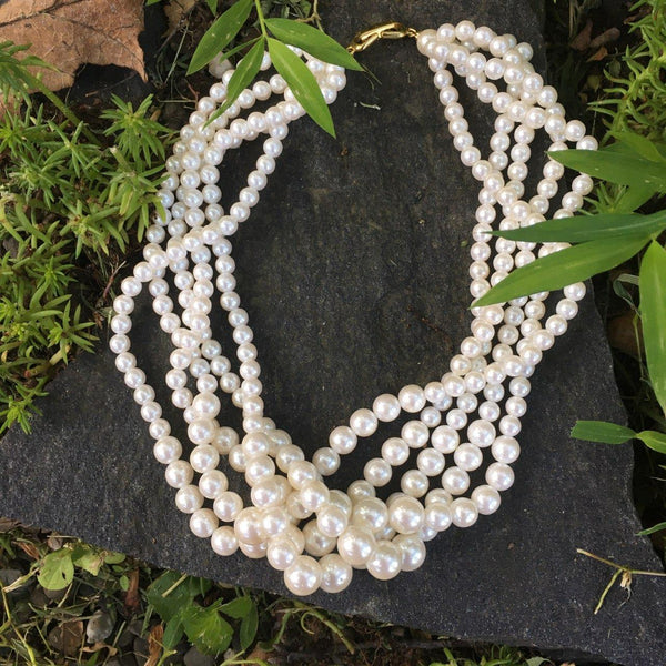 Poil/Pearls: Multi-strand Necklace