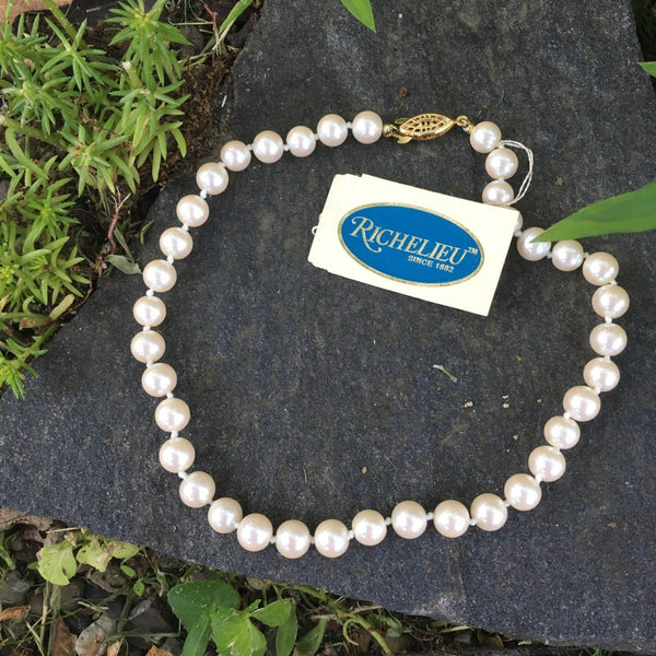 Poil/Pearls: Richelieu Single Strand Necklace