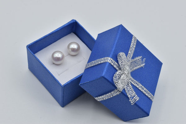 White South Sea pearl stud earrings in 14K white gold (9mm)
