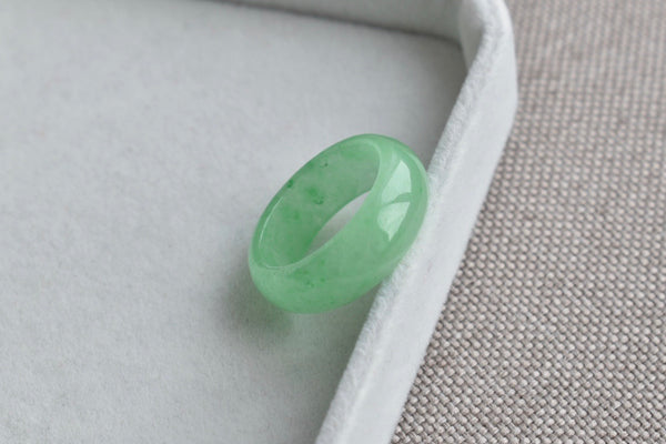 Natural Icy Apple Green Jadeite Jade Ring Band - Size 7.25 US