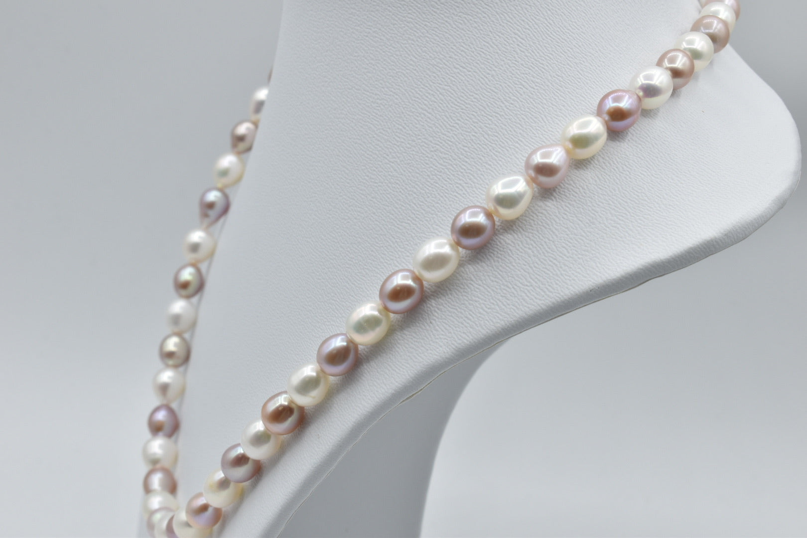 White And Pink Freshwater Multicolor Oval Pearl Necklace, 20 inches, 7.5-8.5mm