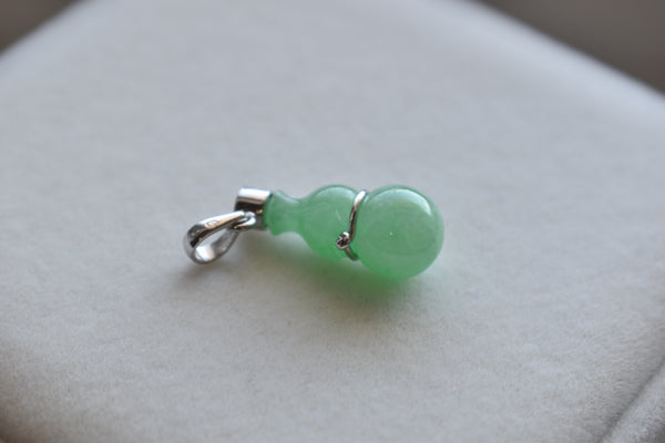 Natural Jadeite Jade Bright Green Bottle Pendant in 10K White Gold
