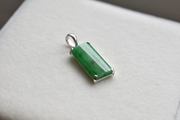 Natural Jadeite Jade Imperial Green Rectangle Pendant in 10K White Gold