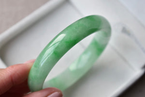 55.58mm Natural Icy Floral Green Jadeite Jade Round Bangle