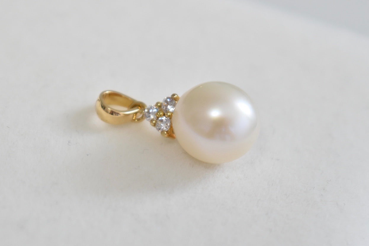 White Freshwater Oval Pearl and Moissanite Pendant in 14K Yellow Gold