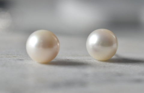 White South Sea Pearl Stud Earrings in 14K White Gold (10mm)