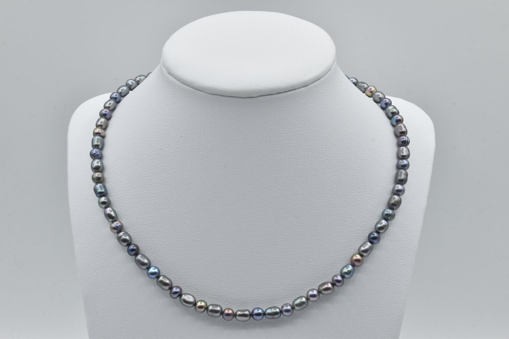 Gray Freshwater pearl necklace (5.5-6.0mm) - 17.5 inches