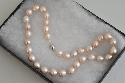 Pink Freshwater Oval Pearl Necklace, 10.5-11.5mm