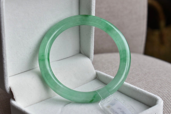 58.61mm Natural Translucent Light Green Jadeite Jade Round Bangle