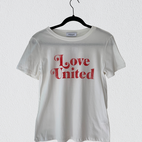 Love United T-Shirt.